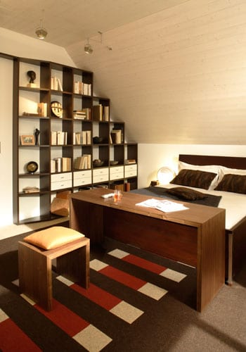 wohnen unter der dachschr ge. Black Bedroom Furniture Sets. Home Design Ideas